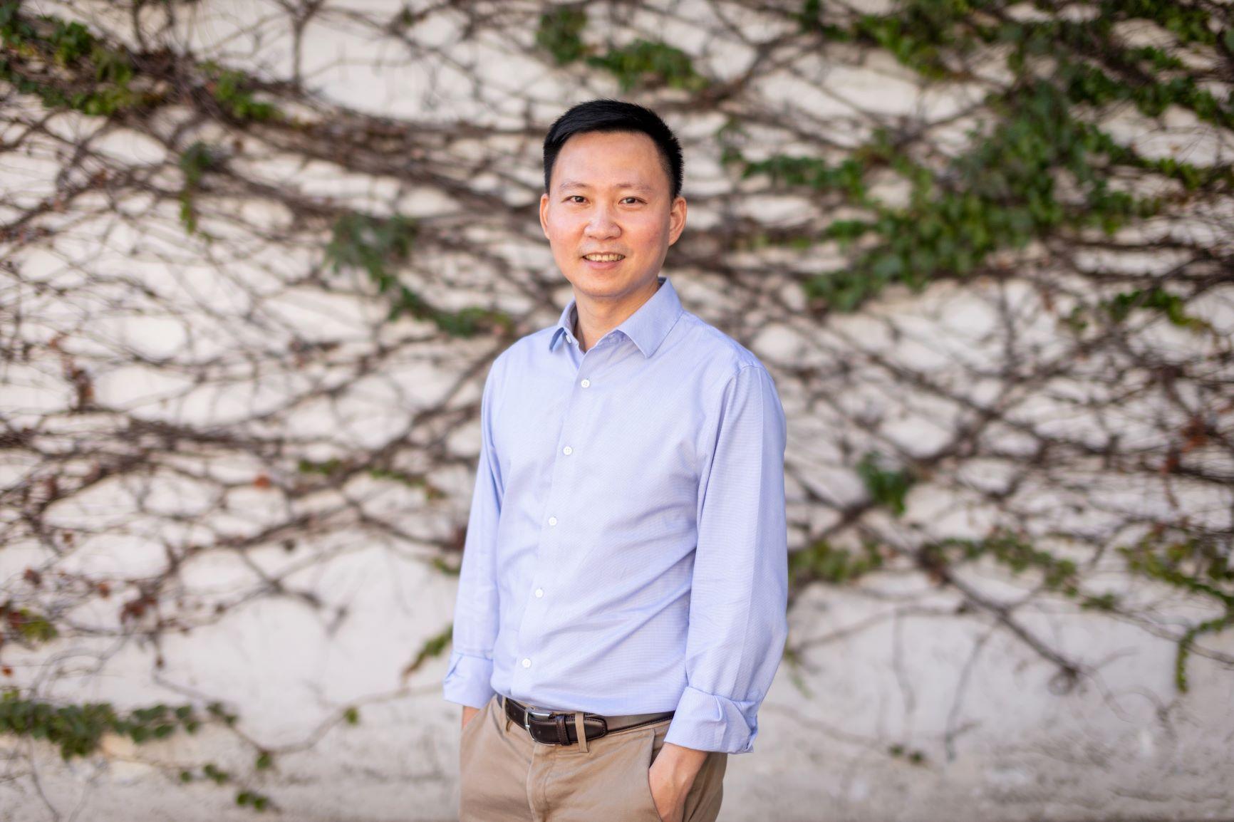 Prof. Yang Yi-jian